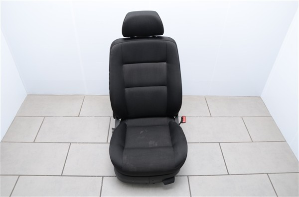 Sitz rechts Beifahrersitz Stoff Seitenairbag VW Passat 3BG Basis Schwarz