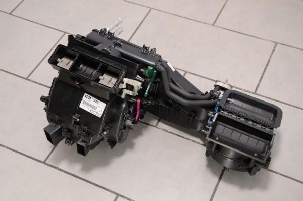 Audi A4 S4 RS4 8E 8H Seat Exeo Gebläsekasten Klimakasten Climatronic 8E1820005B