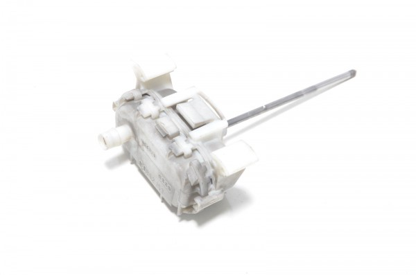 Audi A3 S3 8L ZV Stellventil Zentralverriegelung Tankdeckel 8L0862153