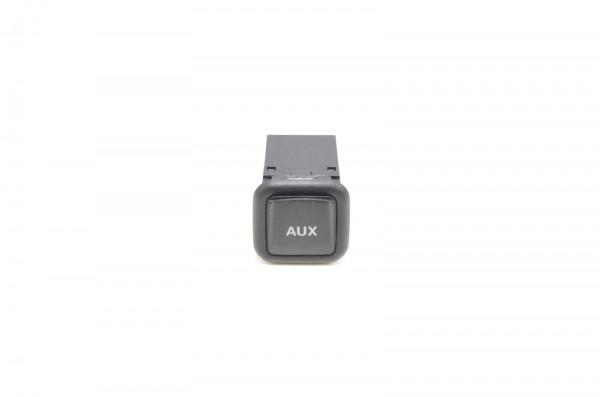 Audi A1 A3 A4 A5 A6 A7 Q3 Q5 R8 AUX-IN Buchse 8J0035475